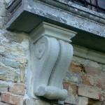elemento decorativo  pietra arenaria