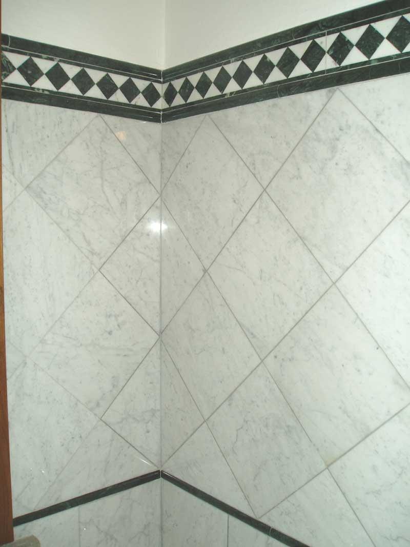 Rivestimenti in marmo o pietra - Rivestimento bagno in marmo ...